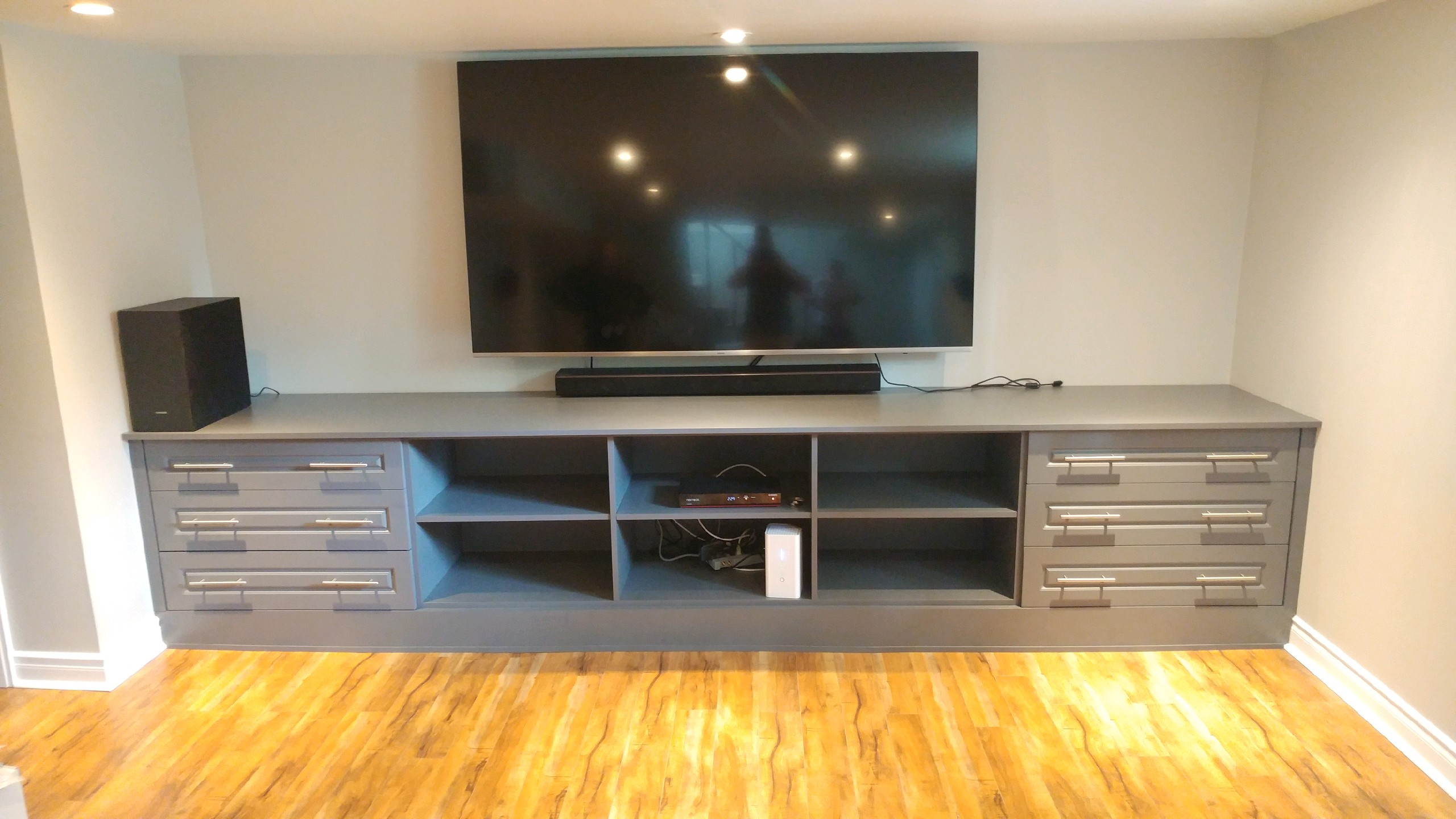 Built In & Wall Units